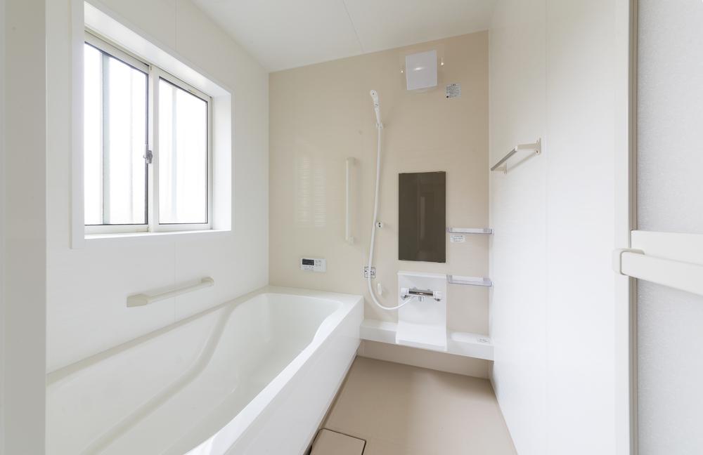 "<span class=""title"">リフォームで快適な浴室を作るには?浴室のタイプと注意点を紹介!</span>"